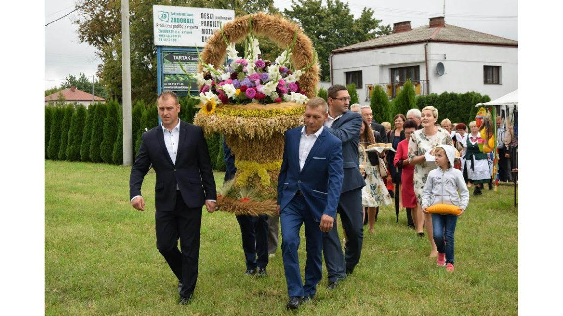 Dożynki parafialne w Jedlni
